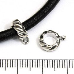 Tvinnad ring/rör med 5 mm hål och fästögla sterling silver