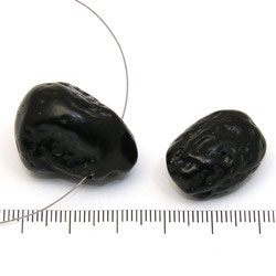 Stor nugget i tektit c:a 2 cm