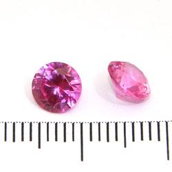 Syntetisk rosa rubin (korund) 6 mm
