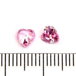 Cubic zircon hjärtformad rosa (blåtonad) 5 mm
