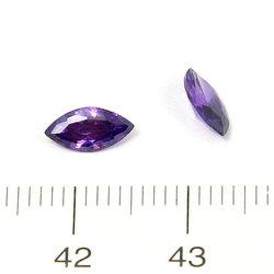 Cubic zircon navett ametistlila 8 x 4 mm