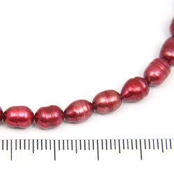 Risformade sötvattenpärlor hallonröda 5x7 mm