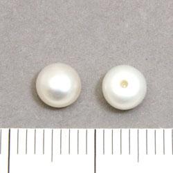 Halvborrade sötvattenpärlor plattrunda 5 mm vit