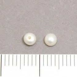 Halvborrade sötvattenpärlor plattrunda 3 mm vit