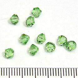 Swarovski Xilion bicone 4 mm peridot (ljusgrön)