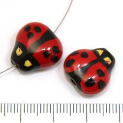 Nyckelpiga i porslin c:a 15 mm