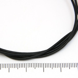 Svart rustikt läderband 1,5 mm på löpmeter