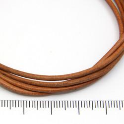 Ljusbrunt rustikt läderband 2 mm på löpmeter